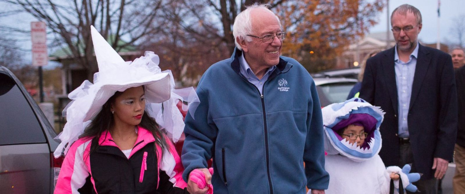 PHOTO: Bernie Sanders went trick-or-treating with three of his grandchildren in a neighborhood in Lebanon, New Hampshire, Oct. 31, 2015.