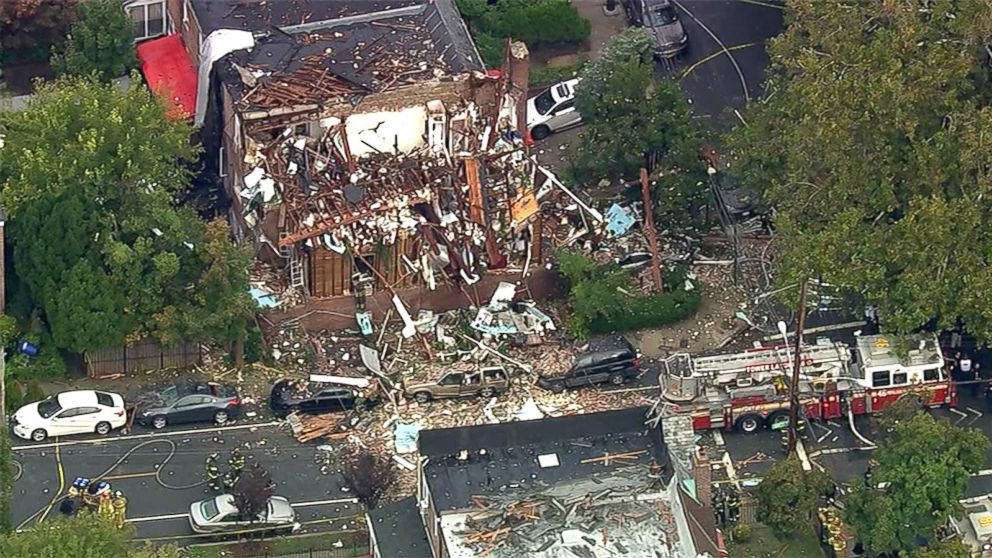 http://a.abcnews.com/images/US/HT_Bronx_Fire_MEM_160927_16x9_992.jpg