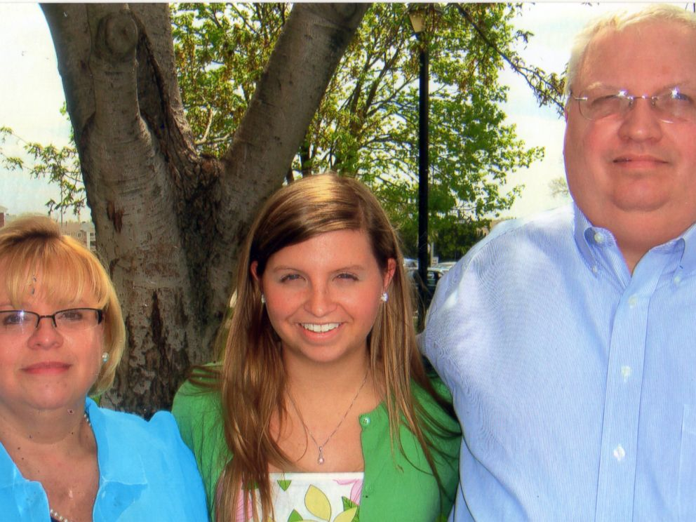 PHOTO: Eric Boyles (right) lost his wife Hollie Boyles (left) and daughter Shelby Boyles (center) in a car accident.