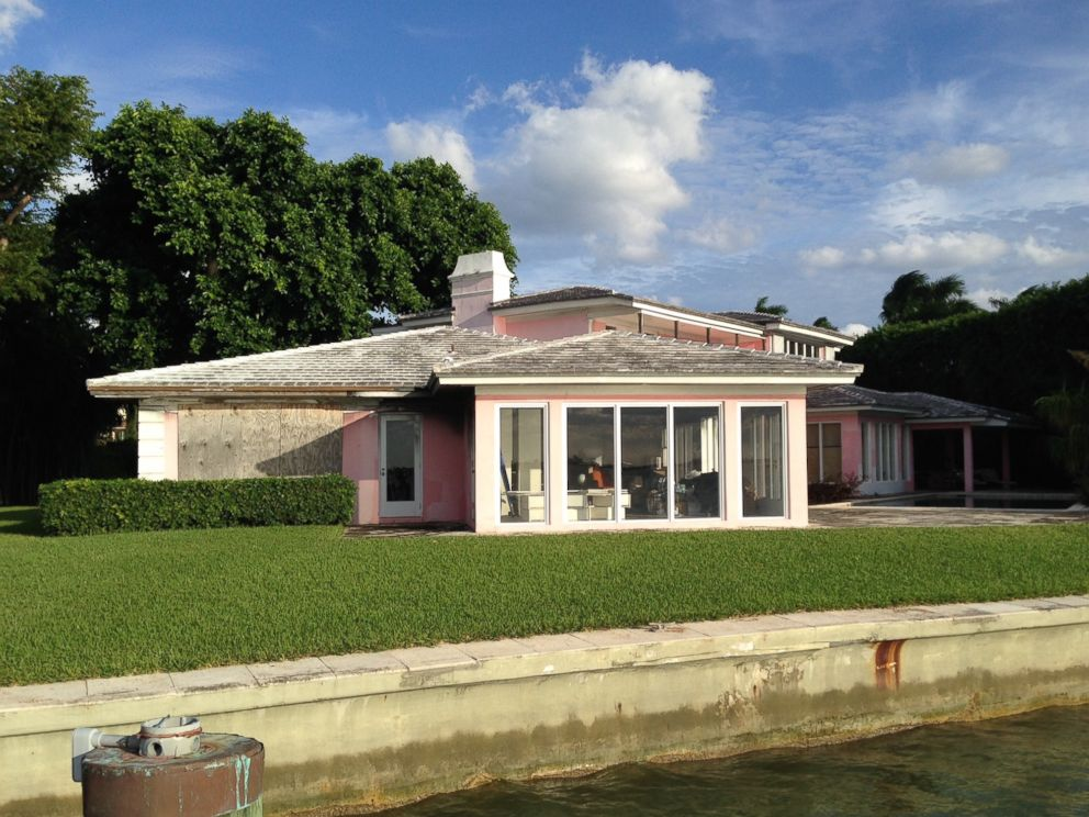 PHOTO: Pablo Escobars former home features 175 feet of waterfront in Miami Beach with views of downtown Miami.