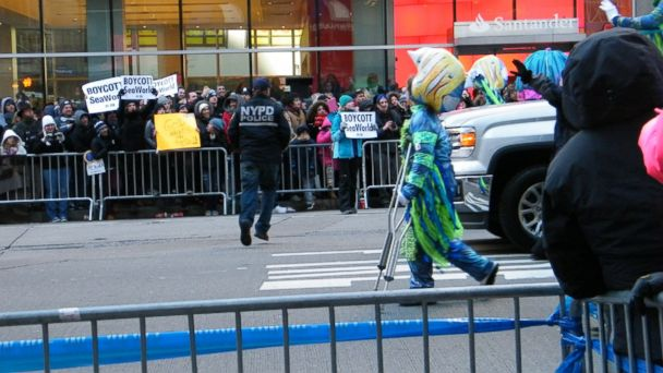 HT PetaProtester LE 131129 16x9 608 Protester, 12, Targets SeaWorld Float in Macys Thanksgiving Day Parade