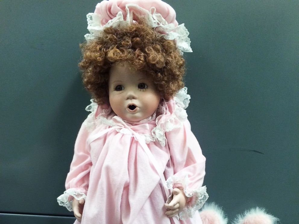 PHOTO: Porcelain dolls are mysteriously left on the doorstep of California families.