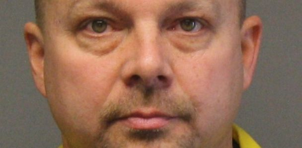 PHOTO: Steve Parsons Takes Life in Court