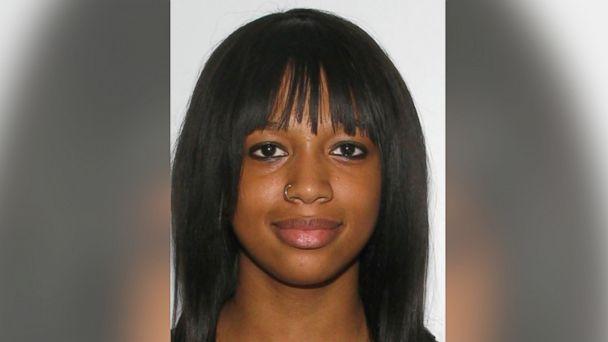 HT alexis murphy blur m jt 140518 16x9 608 Family Has Bittersweet Graduation as High School Honors Slain Student