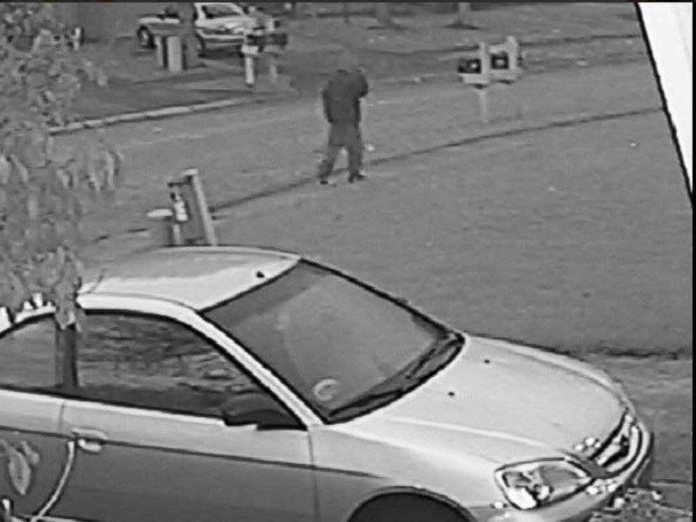 PHOTO:Images from a surveillance video show a suspect in the murder of Amanda Blackburn released by the Indianapolis police department.