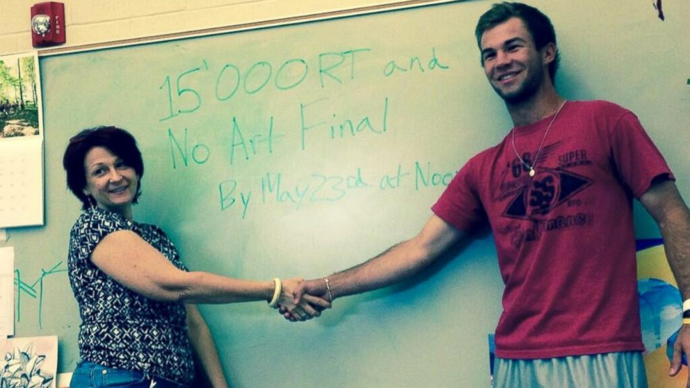 PHOTO: Andrew Muennink, a senior at Round Rock High School in Texas, said he struck a deal with his teacher that if he got 15,000 retweets, his art class wouldnt have to take the final exam.