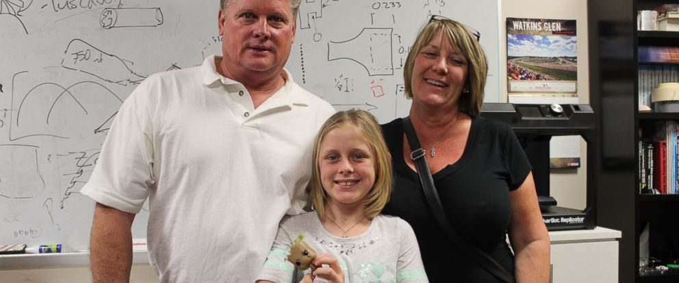 PHOTO: Anni Emmert, 10, was born without a right hand. She got a 3-D printed, bionic prosthetic from students at the University of Central Florida and Limbitless Solutions.