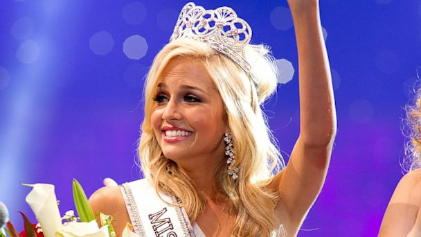 HT cassidy wolf nt 130926 16x9 608 FBI Arrests Man Accused of Sextorting Miss Teen USA