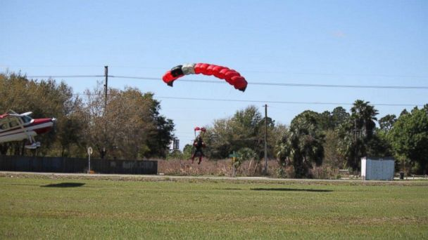 HT cessna collision 6243 1 jt 140309 16x9 608 Skydiver Collides With Plane, Sending Him Slamming into Ground