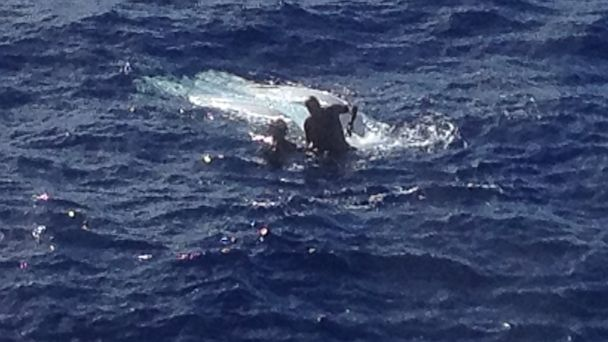 HT coast guard rescue fisherman hawaii ahi capsizes boat thg 130723 16x9 608 280 Pound Tuna Capsizes Boat, Drags Fisherman Under Water