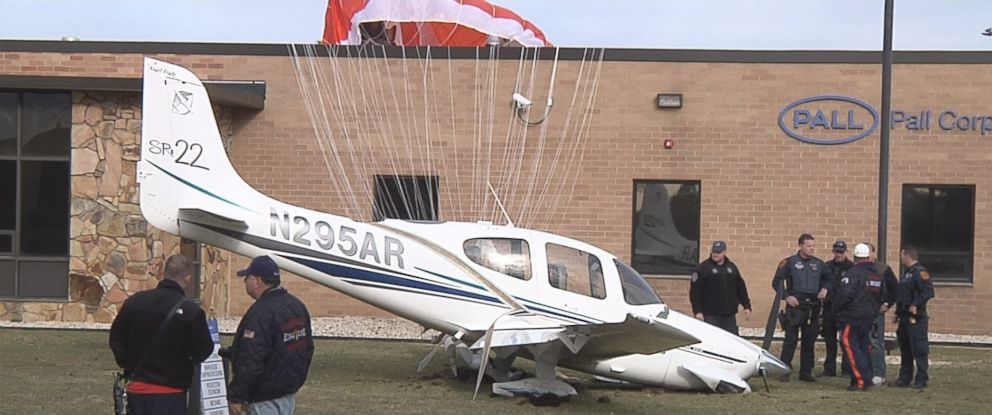 PHOTO: A Cirrus SR22 aircraft crashed in a grassy area of an industrial park in Hauppauge, New York, at about 3:10 p.m. on March 5, 2016.