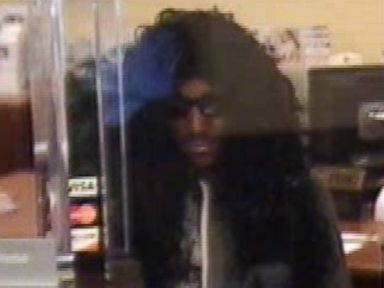 PHOTO: A man in a dress and a wig robbed a south Florida bank on May 1, 2015.