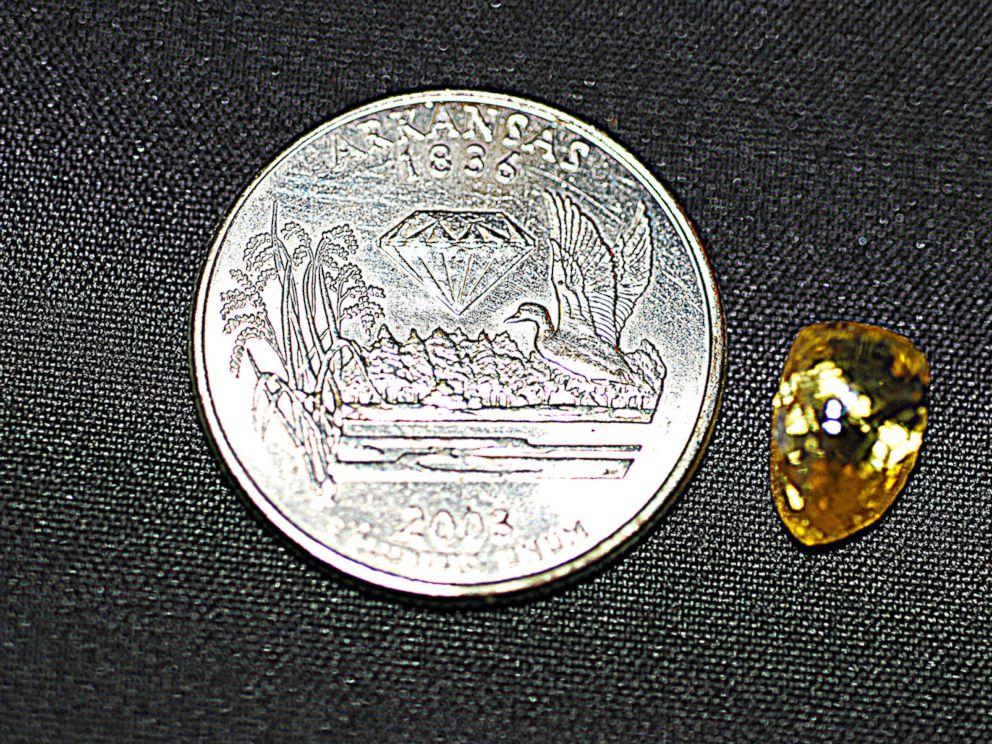 PHOTO: Tana Clymer, 14, of Oklahoma City, Okla., found a 3.85-carat canary diamond at Arkansas Crater of Diamonds State Park on Oct. 19, 2013.