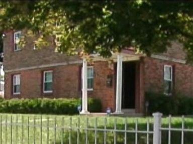 Armed Men Abduct Teen, Steal $30K From Philadelphia Home