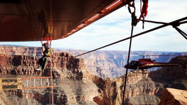 HT grand canyon sky walk cleaning mar 140324 16x9 608 Extreme Skywalk Cleaning Tests Grand Canyon Workers