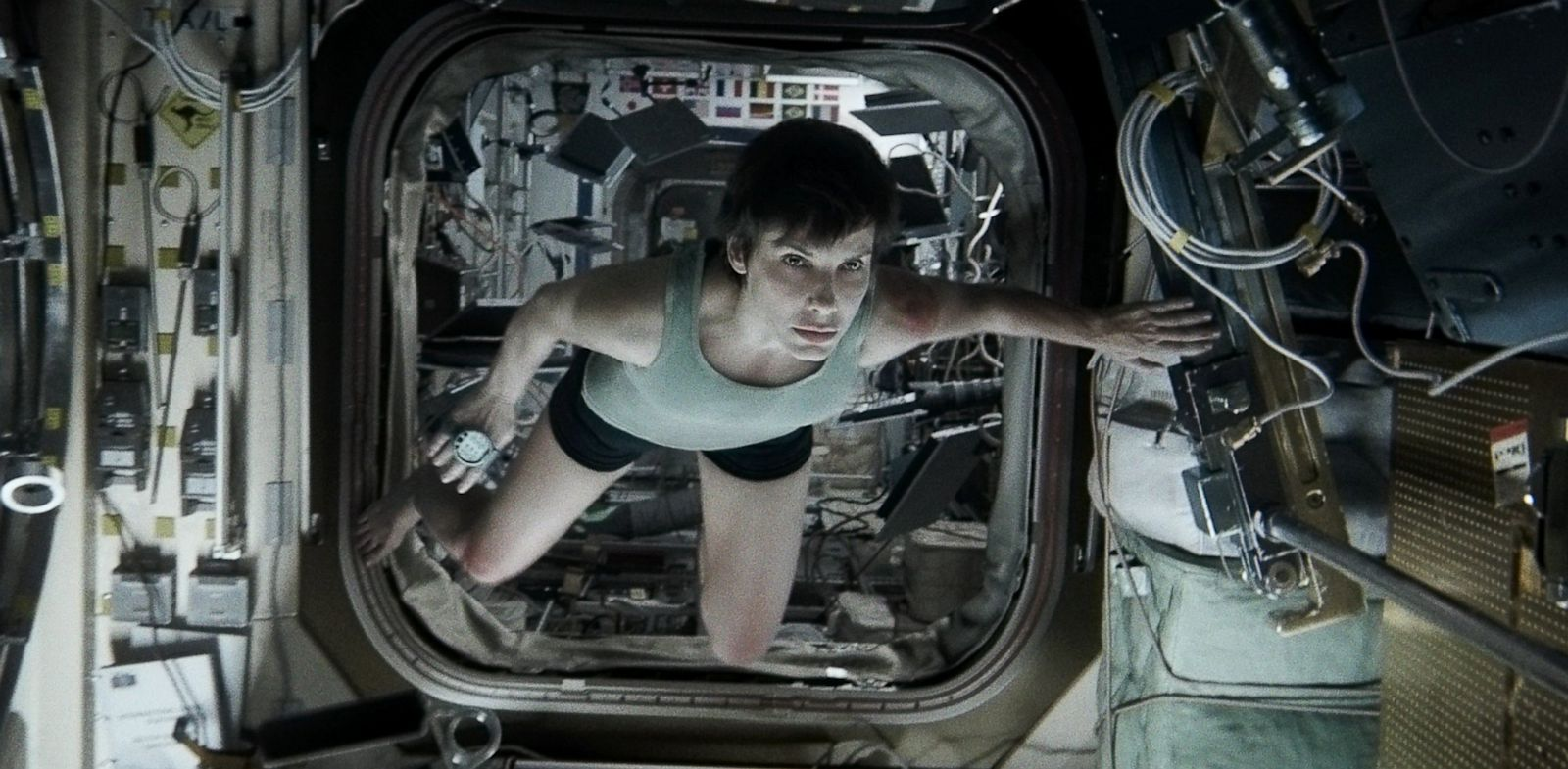 PHOTO: SANDRA BULLOCK, gravity