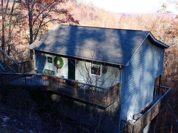 Tenn. Family 'Stunned' to Discover Home Untouched by Wildfires