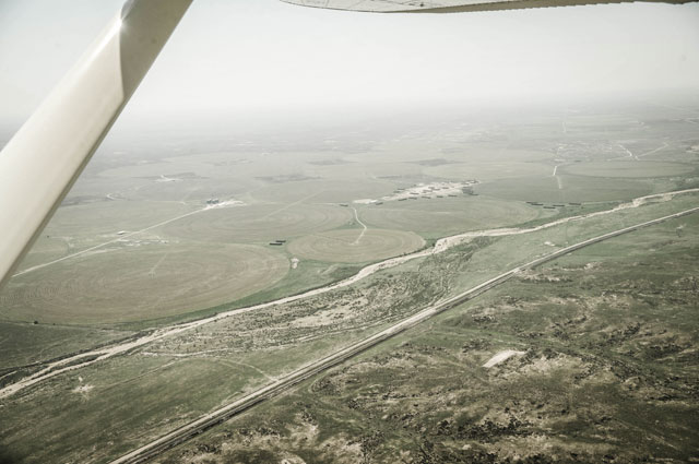 HT kansas life arkansas river aerial pilot thg 131001 wblog Water, as Precious as Gold: Life in Parched Western Kansas