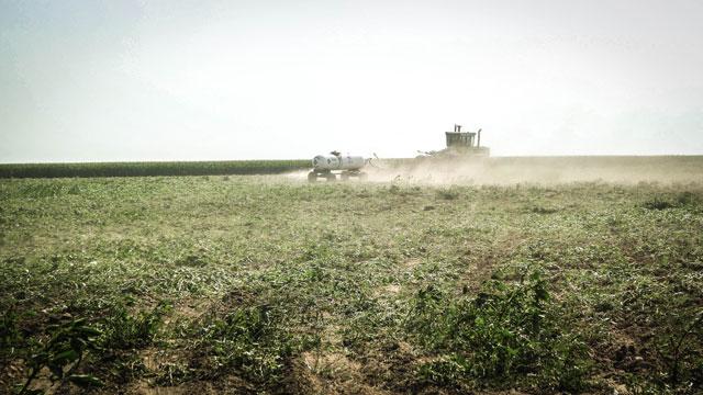 HT kansas life john jenkinson farmer till thg 131001 wblog Water, as Precious as Gold: Life in Parched Western Kansas