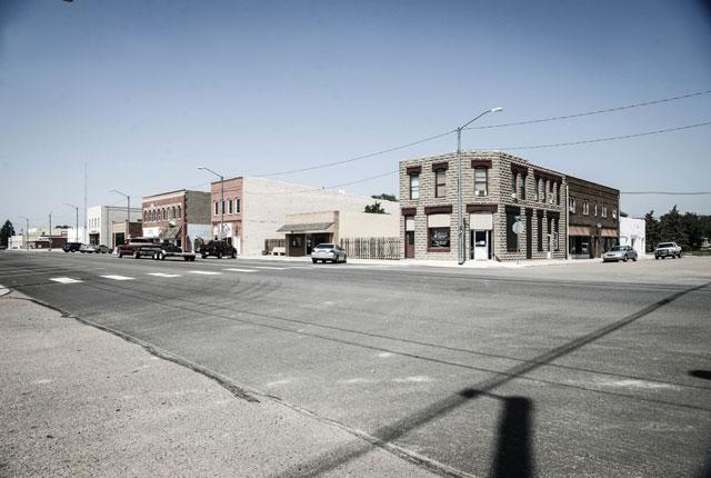 HT kansas life lakin town thg 131001 wblog Water, as Precious as Gold: Life in Parched Western Kansas