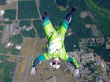 Extreme Skydiver Prepares to Jump 25,000 Feet With No Parachute