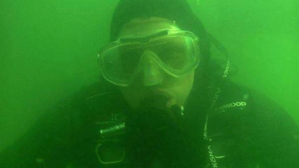 HT record jerry hall scuba lpl 130802 16x9 608 Scuba Diver Underwater 5 Days, Breaks World Record