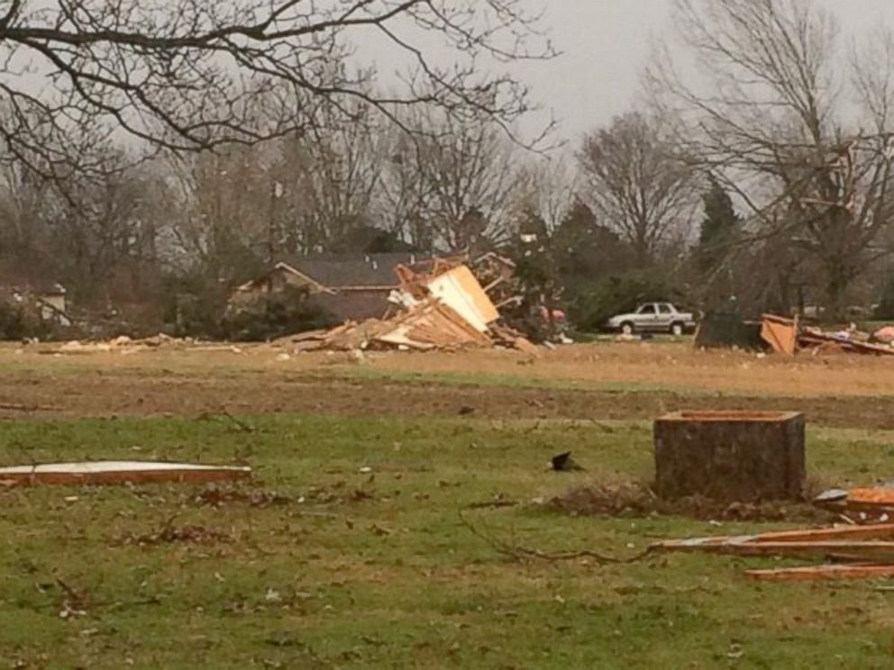 PHOTO: Storms damage homes in the Como, MS area, Dec. 23, 2015.
