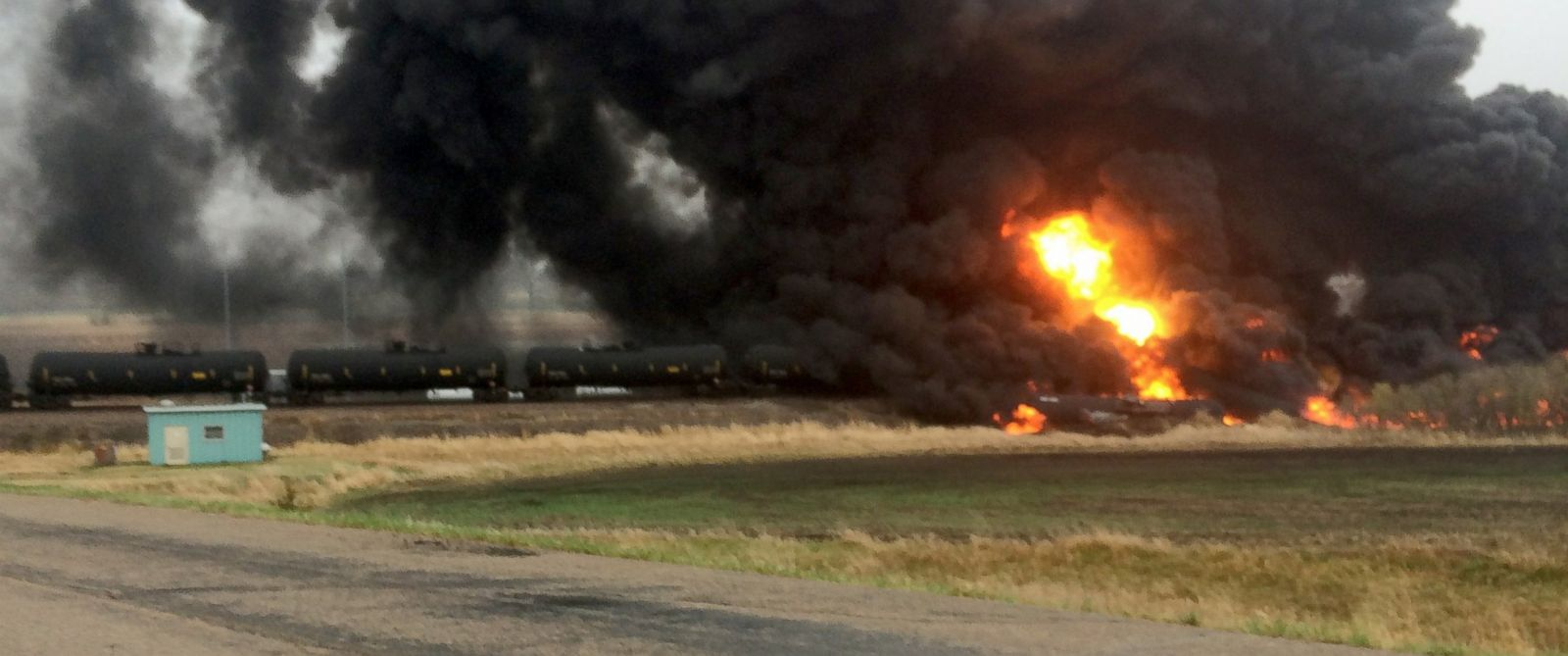 PHOTO: A 109-car Burlington Northern Santa Fe oil tanker train derailed and caught fire near a small town in North Dakota, May 6, 2015.