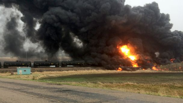 http://a.abcnews.com/images/US/HT_train_derailment_02_jef_150506_16x9_608.jpg