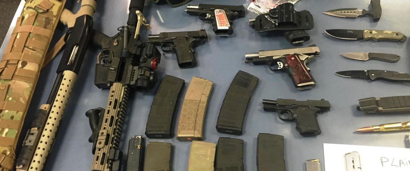 PHOTO: Guns and knives were recovered from a car stopped at the New Jersey side of the Holland Tunnel, June 21, 2016.