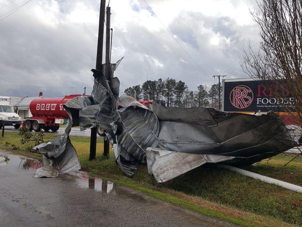 PHOTO: Bad weather caused damage near Waverly, Va., Feb. 24, 2016.