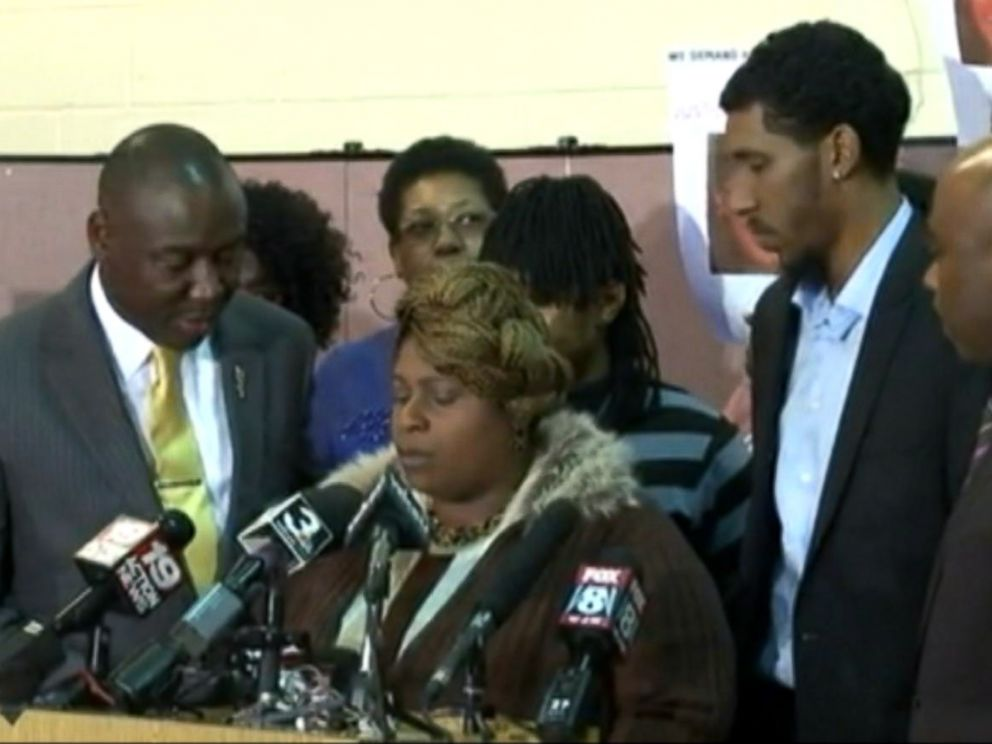 PHOTO: Tamir Rices mother Samaria Rice spoke out about the sequence of events following her sons fatal Nov. 22 shooting.