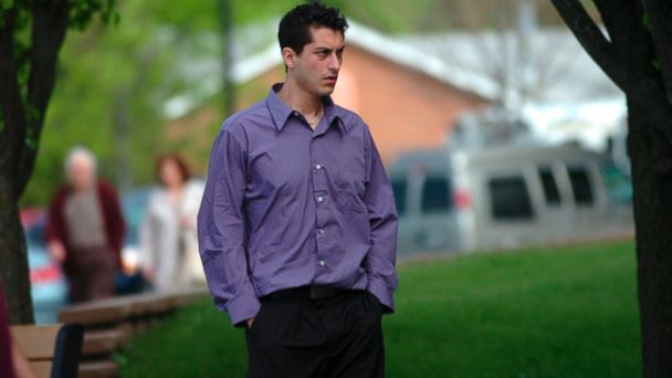 PHOTO: Mario Casciaro walks towards the McHenry County Government Center in Woodstock, Ill.