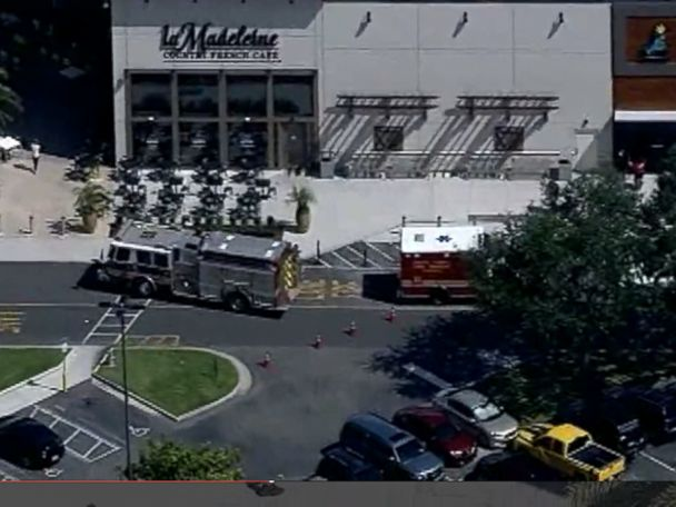 9 Injured in Mall Stampede Over Popping Balloons