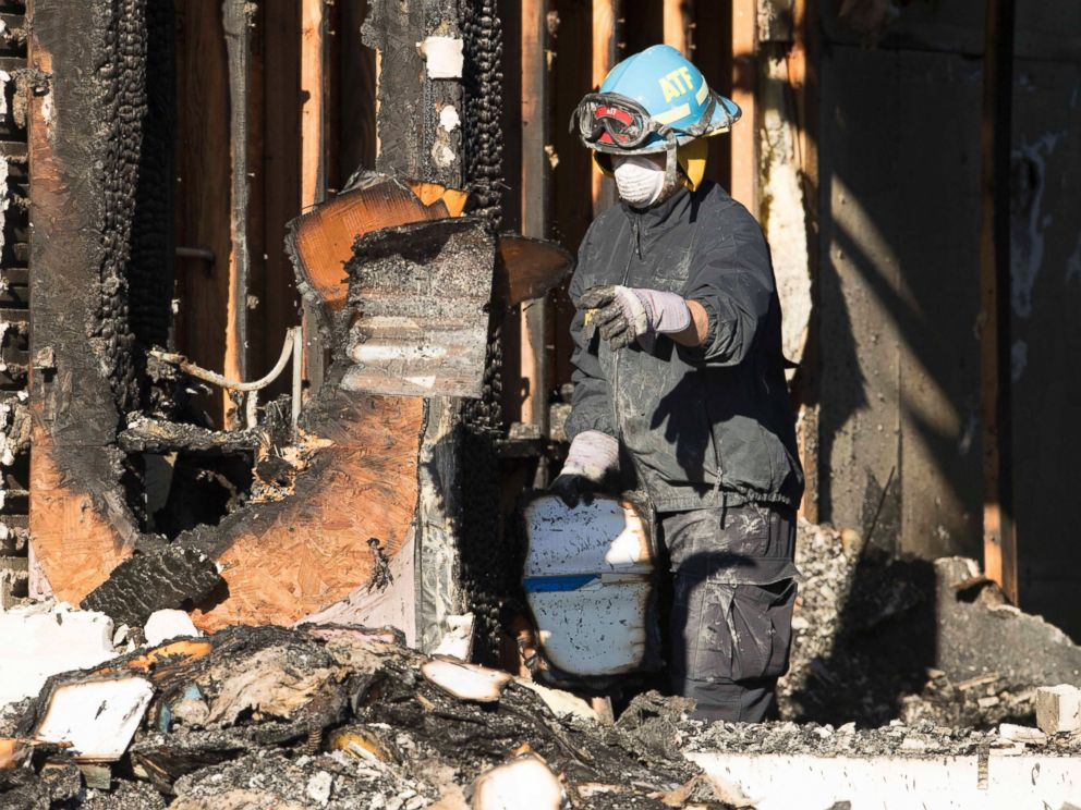 PHOTO: The FBI, ATF and other agencies continue sifting through burned rubble of the Victoria Islamic Center mosque, in Victoria, Texas January 29, 2017, for clues.