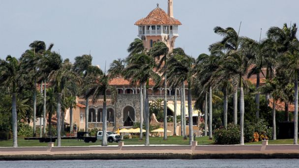 PHOTO: The Mar-a-Lago estate owned by President Donald Trump is seen in Palm Beach, Florida, April 5, 2017. Trump will meet with Chinese President Xi Jinping on April 6 and 7 at the estate.