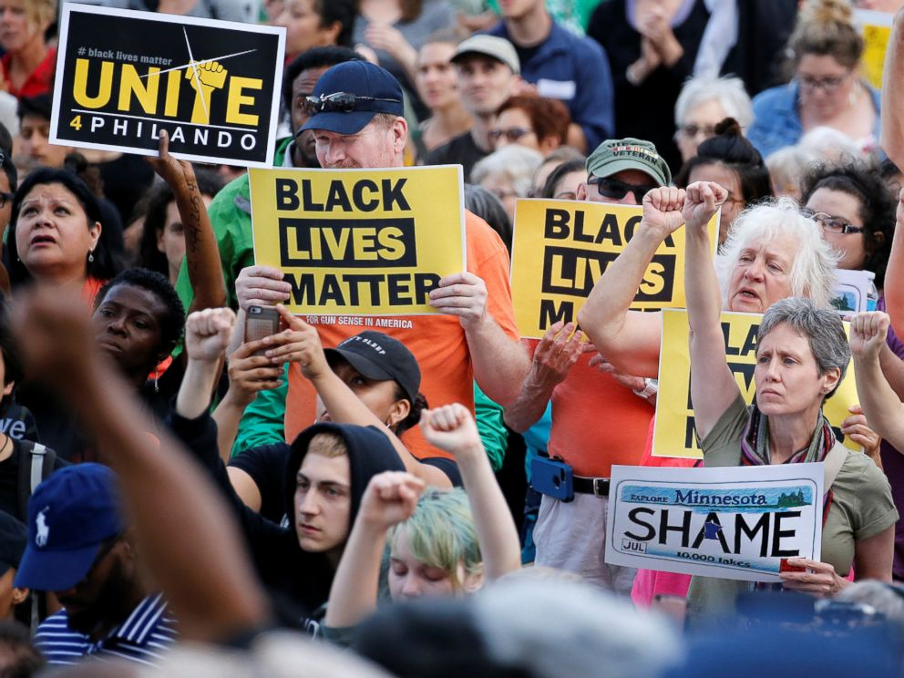 PHOTO: People protest in support of Philando Castile on the capitol steps after a jury found St. Anthony Police Department officer Jeronimo Yanez not guilty of second-degree manslaughter in the death of Castile, in St. Paul, Minn., June 16, 2017.
