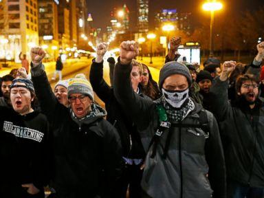 Photos:  16 Shots: Chicago Responds to the Death of a Black Teen