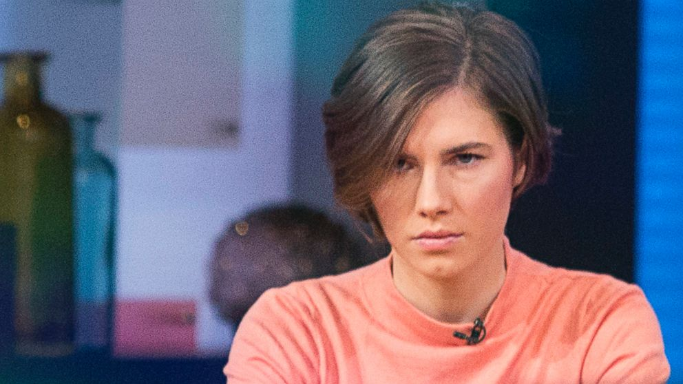 PHOTO: Amanda Knox sits before being interviewed on the set
