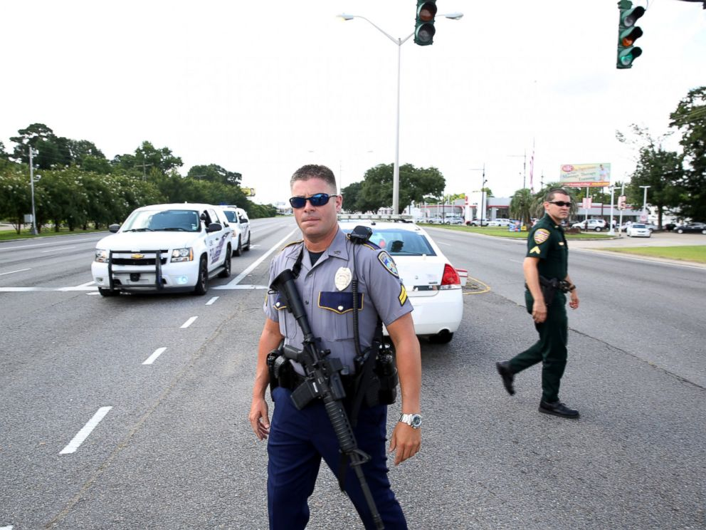 PHOTO: Police officers block off a road after a shooting of police in Baton Rouge, Louisiana, July 17, 2016.