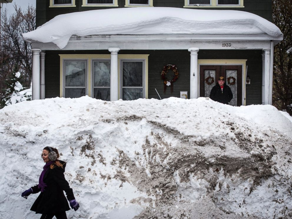 Buffalo Braces For Flooding as Feet of Snow Starts Melting