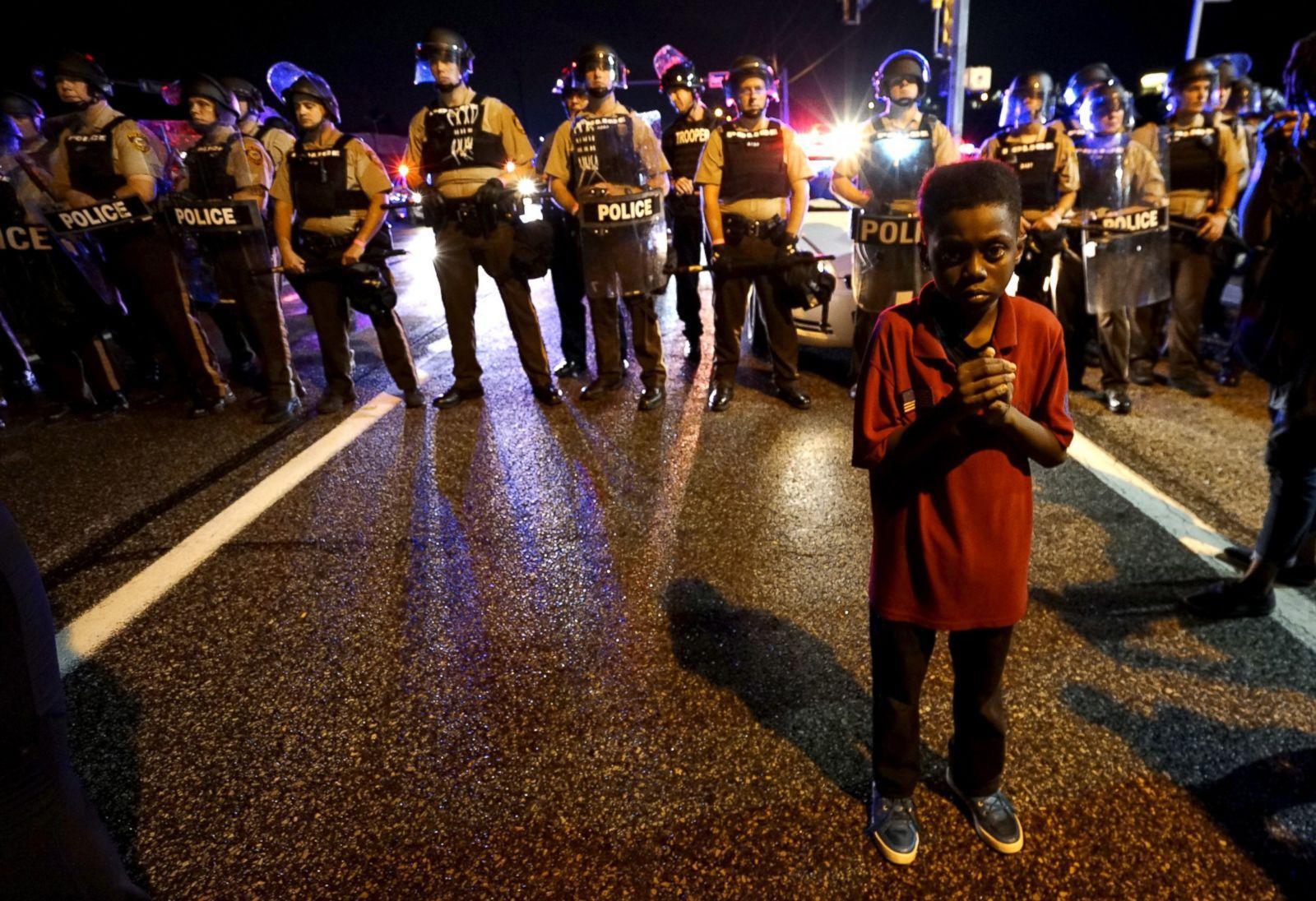 Powerful Scenes From Ferguson, Missouri Photos - ABC News