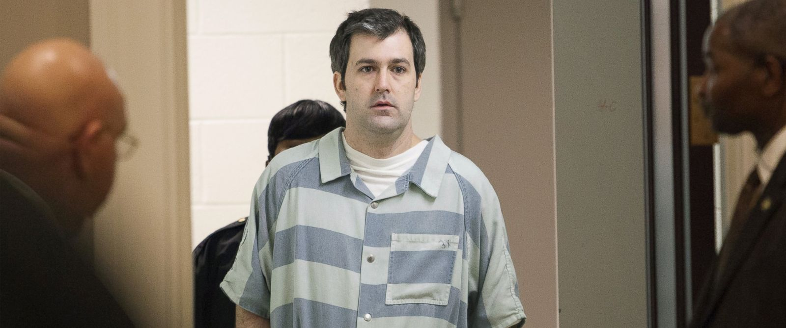 PHOTO: Former police officer Michael Slager walks to the defense table bond hearing, in Charleston, S.C., Sept. 10, 2015.