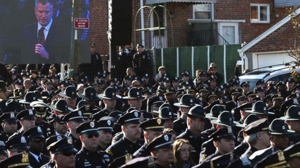 http://a.abcnews.com/images/US/RT_nypd_bill_deblasio_ramos_funeral_jt_141227_16x9_608.jpg