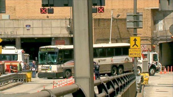 Bus Crash Partially Closes Ny Tunnel Sends Woman Into