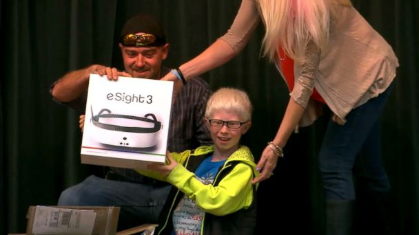 PHOTO: Andrew Borden, 10, a legally blind fourth grader at Lanier Elementary in Maryville, Tennessee, was surprised by his school and community with glasses that give him 20/20 vision.