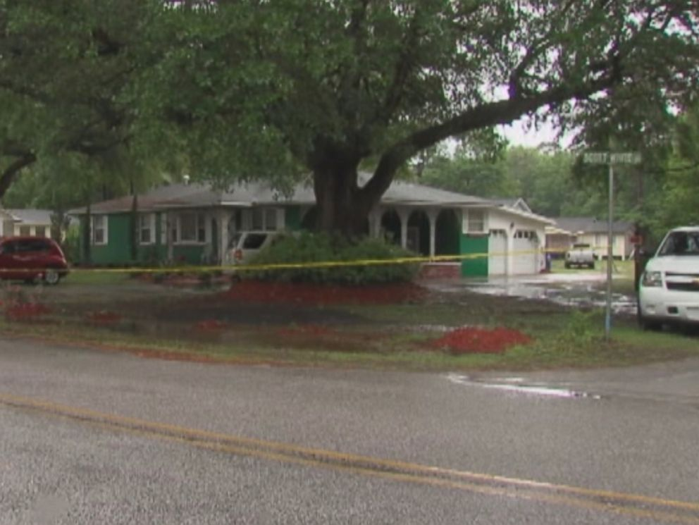 PHOTO: A homeowner wielding a gun was wounded by two Charleston County deputies as they responded to a home invasion call May 7, 2015 in a case of apparent mistaken identity.