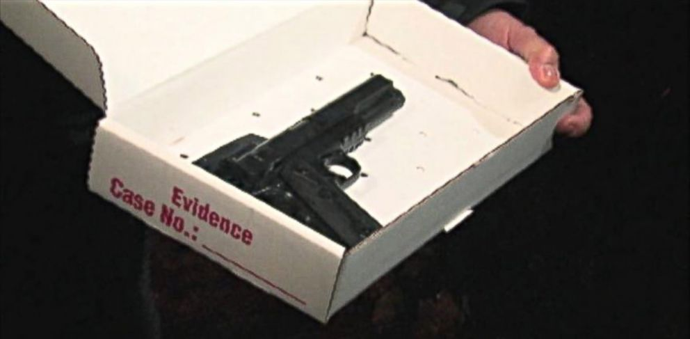 PHOTO: A photo of the airsoft type gun carried by the 12-year-old boy shot by Cleveland Police