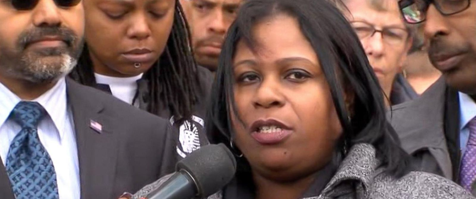 PHOTO: Samaria Rice speaks at a press conference, Oct. 16, 2015.