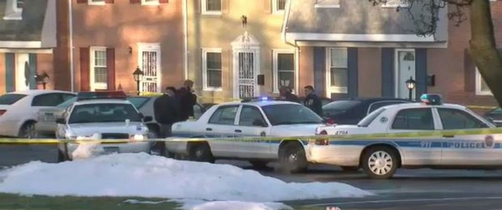 PHOTO: Prince Georges County police investigating homicides in Ft. Washington, Md., Feb. 2, 2016.